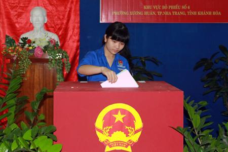 Đoàn viên tham gia bầu cử Đại biểu quốc hội khóa XIV và đại biểu HĐND các cấp nhiệm kỳ 2016-2021.